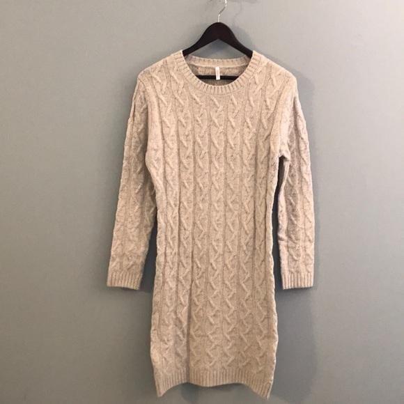 Pink Blush MATERNITY Cable Knit Sweater Dress. M 5b323665a31c3378d38cf356 1c561a7b5